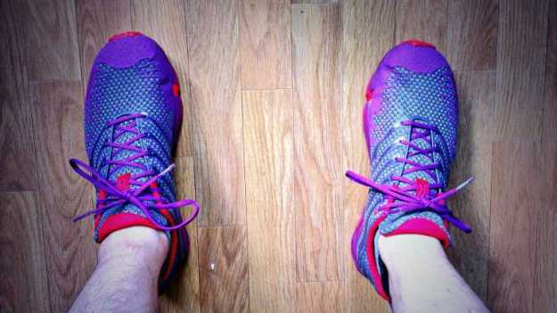 My extremely awesome new road running shoes: Inov8 X233.